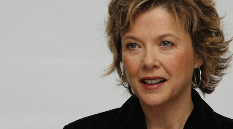 """Annette Bening at the Hollywood Foreign Press Association press conference for the movie """"Mrs. Harris"""" held in Los Angeles, CA on February 28, 2006.  Photo by: Yoram Kahana_Shooting Star.  NO TABLOID PUBLICATIONS. NO USA SALES UNTIL MAY 29, 2006."""
