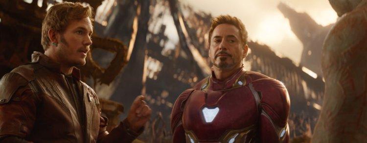 """Avengers: Infinity War"", the film's directors are warning fans to stay off of social media  to avoid spoilers"