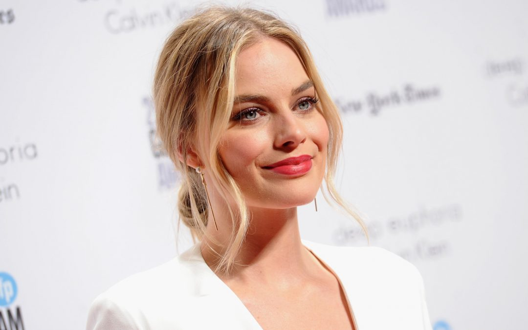 Margot Robbie in Talks to Produce and Star in Comedy 'Fools Day'