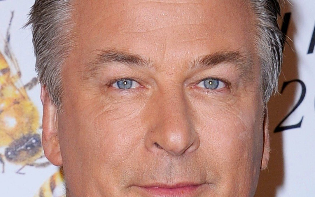 Alec Baldwin Lauds Drive-In Theaters